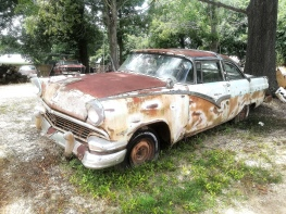 Couldn't get enough of the paint shades of rust.